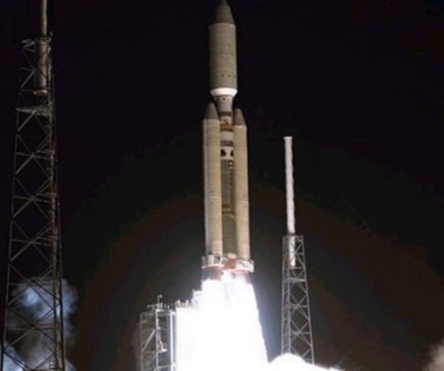 Launch of the Titan IVB with Cassini-Huygens