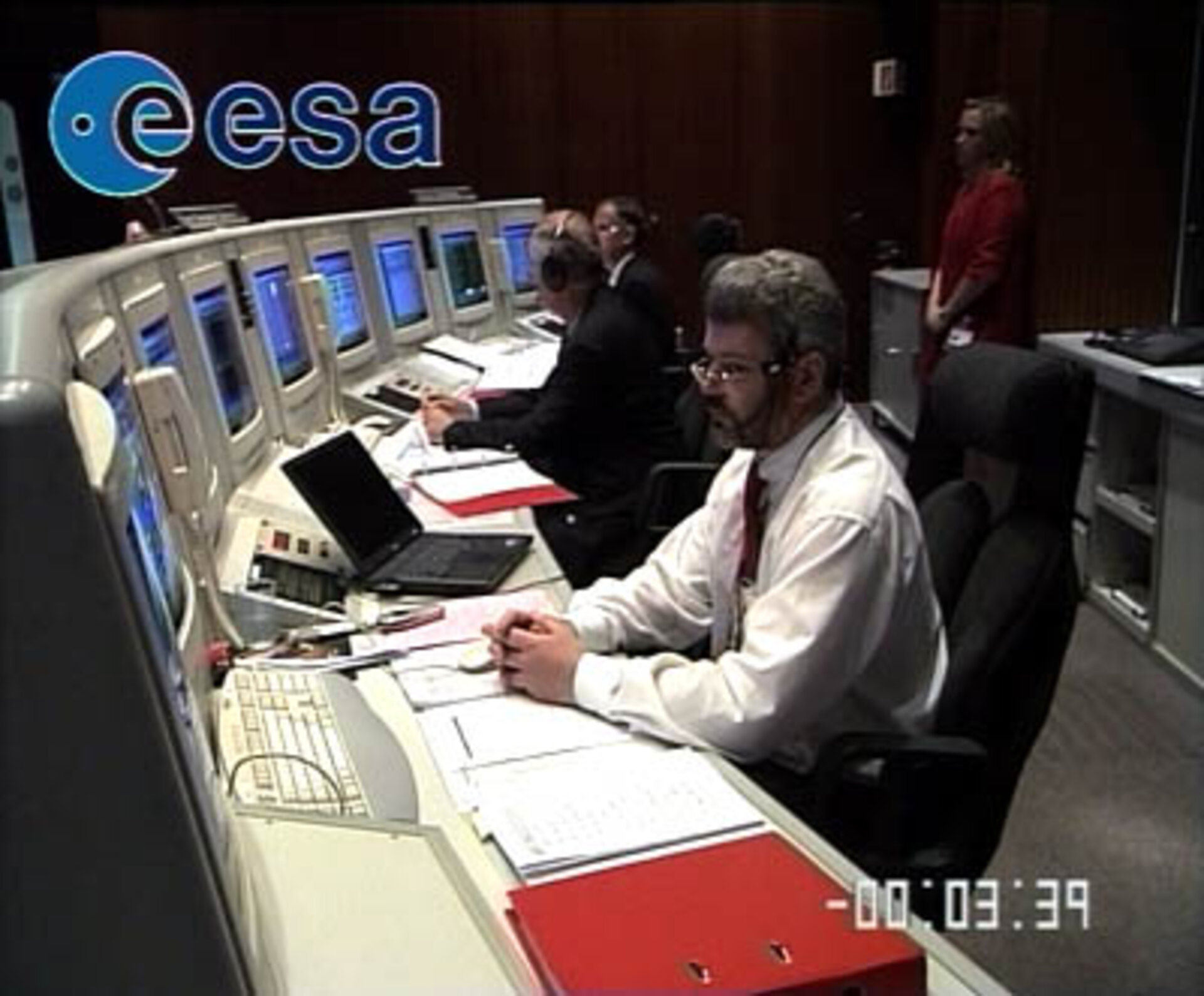 Contact with Mars Express was established by ESOC