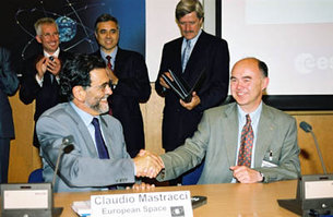 Claudio Mastracci and Prof. Sir Martin Sweeting
