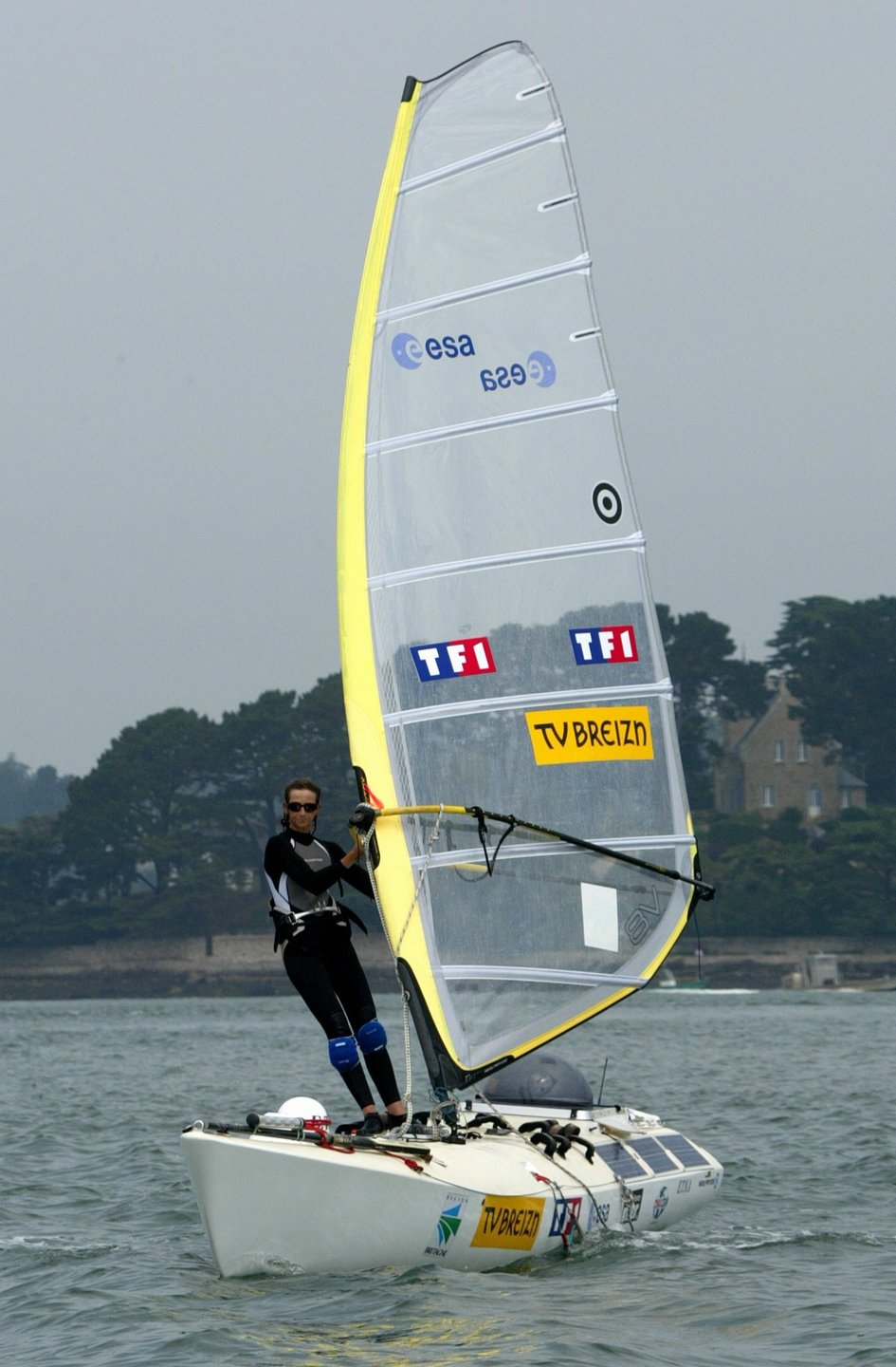 Windsurfer with space technology