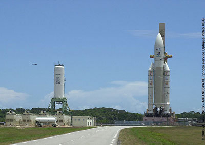 Rollout of Ariane 5 with SMART-1