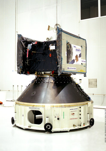 SMART-1 being positioned for its mating to the top of Ariane 5's central cryogenic stage