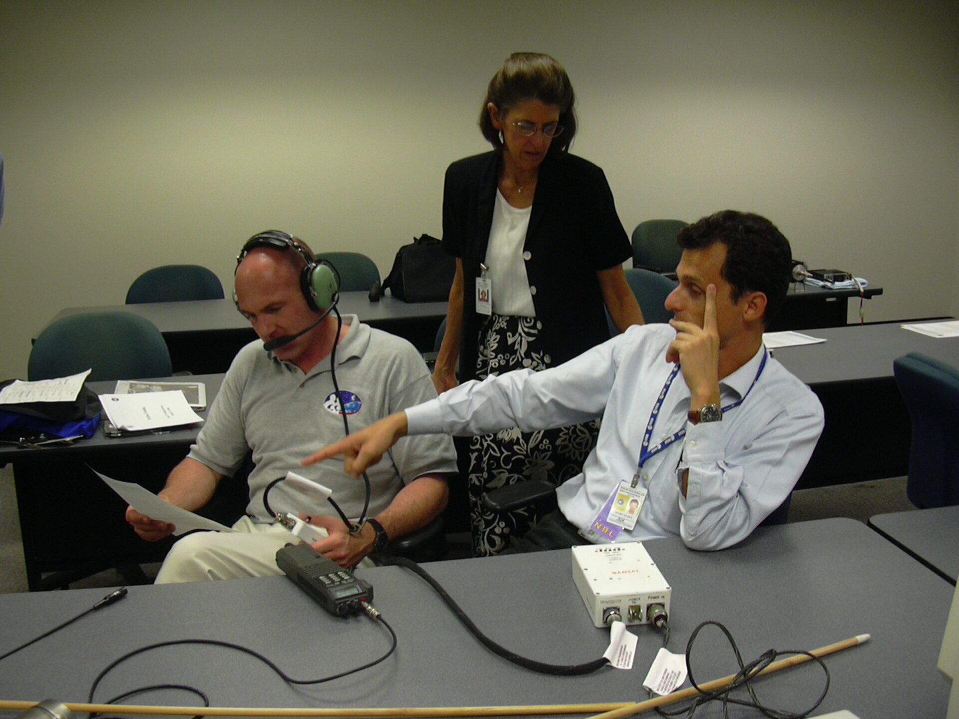 Pedro Duque and André Kuipers are trained in the use of the on-board ARISS radio equipment