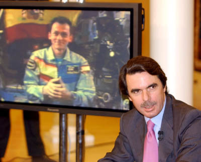 Aznar in-flight call