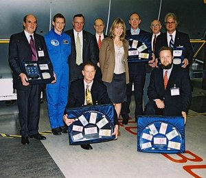 The top donors were presented with space Euros