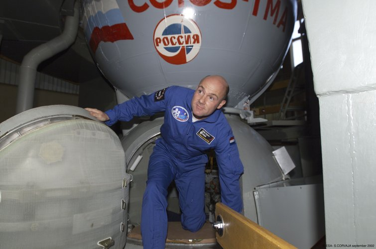 Leaving the Soyuz simulator