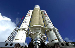 Ariane 5, V160, is readied for lift off