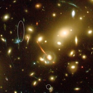 Close-up of the large galaxy cluster Abell 2218