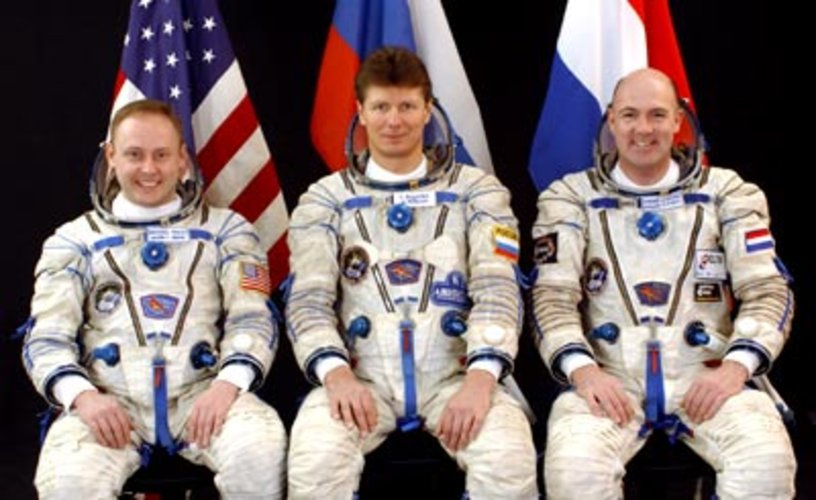 Crew portrait Soyuz flight 8S