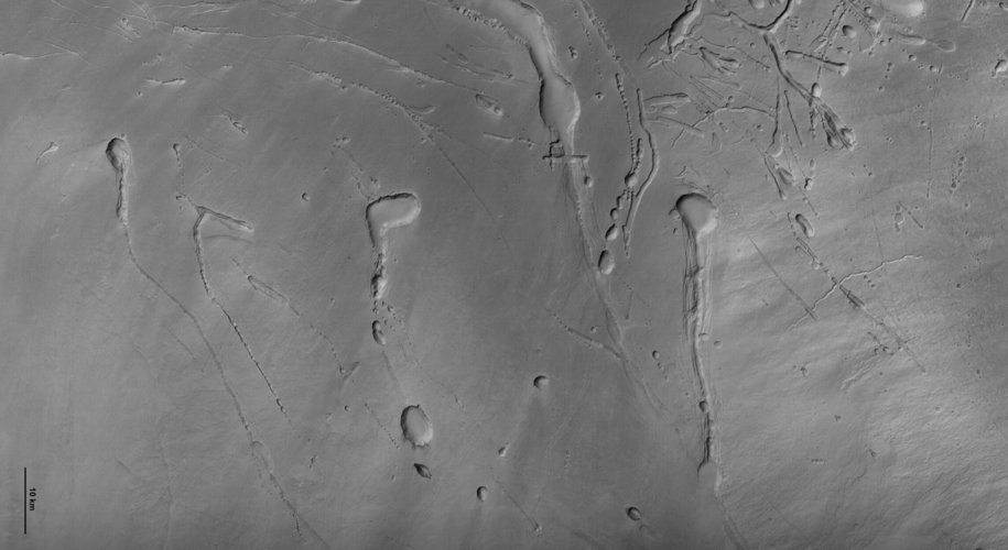 HRSC image of Ascraeus Mons before processing and colour addition