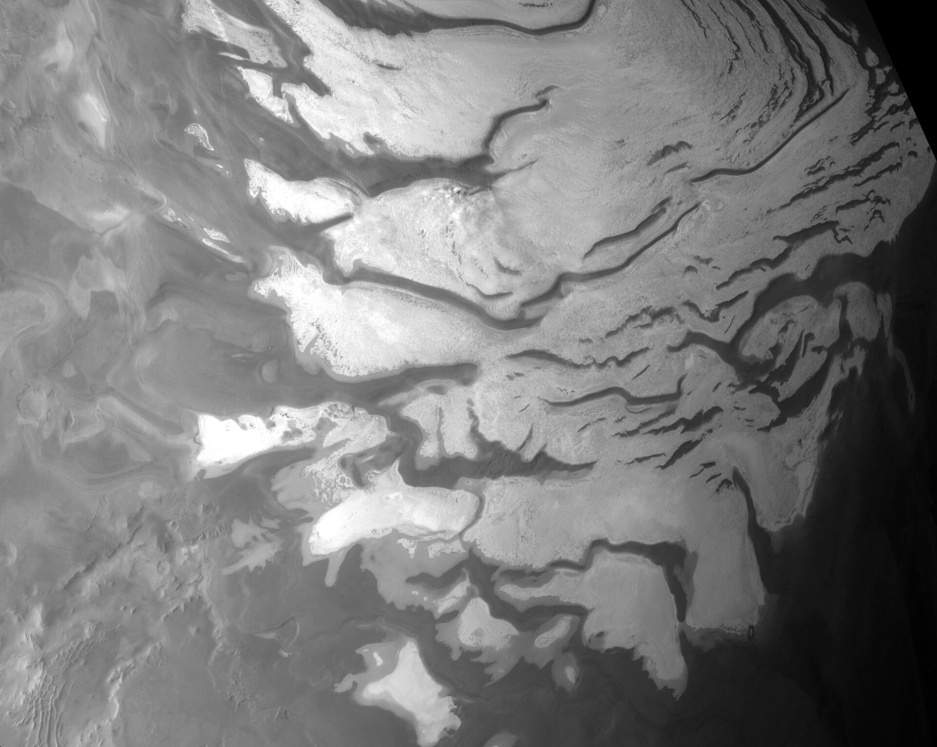 HRSC partial view of Martian south pole where OMEGA found water ice