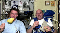 ESA astronaut André Kuipers and his NASA colleague Michael Foale