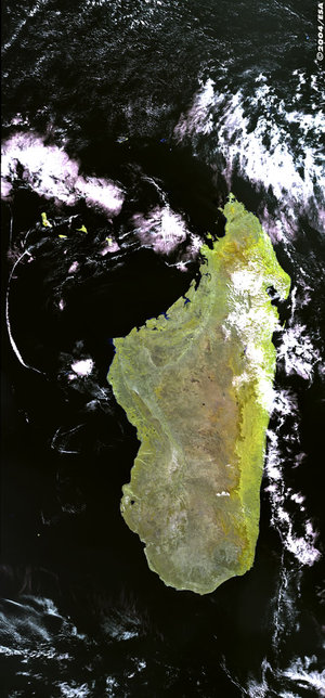 Madagascar   - MERIS - 13 August 2003
