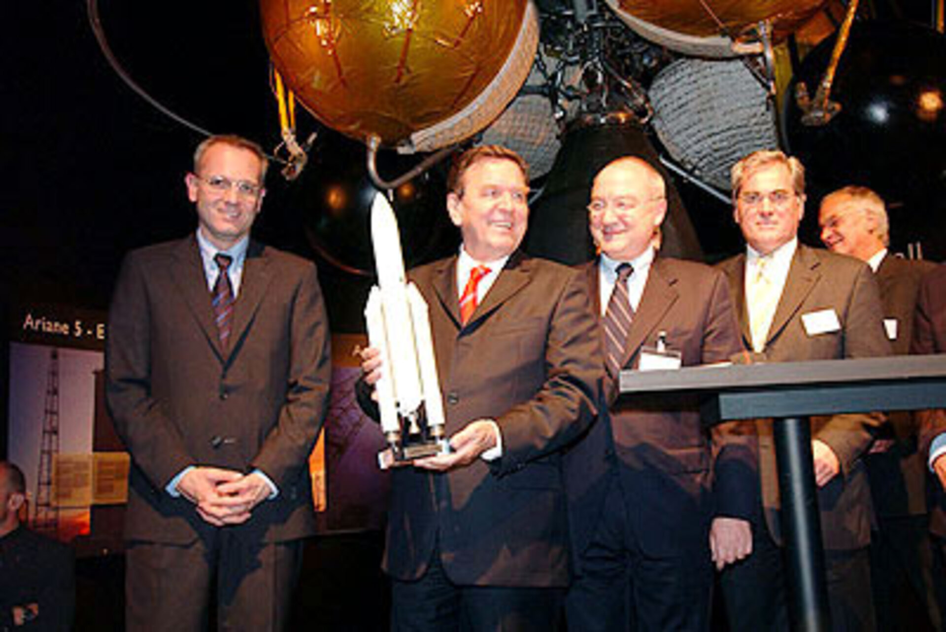 Signature ceremony for 30 Ariane 5 launchers