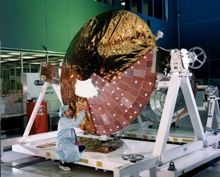 Installation of the multi-layer insulation blankets on Huygens' front shield.