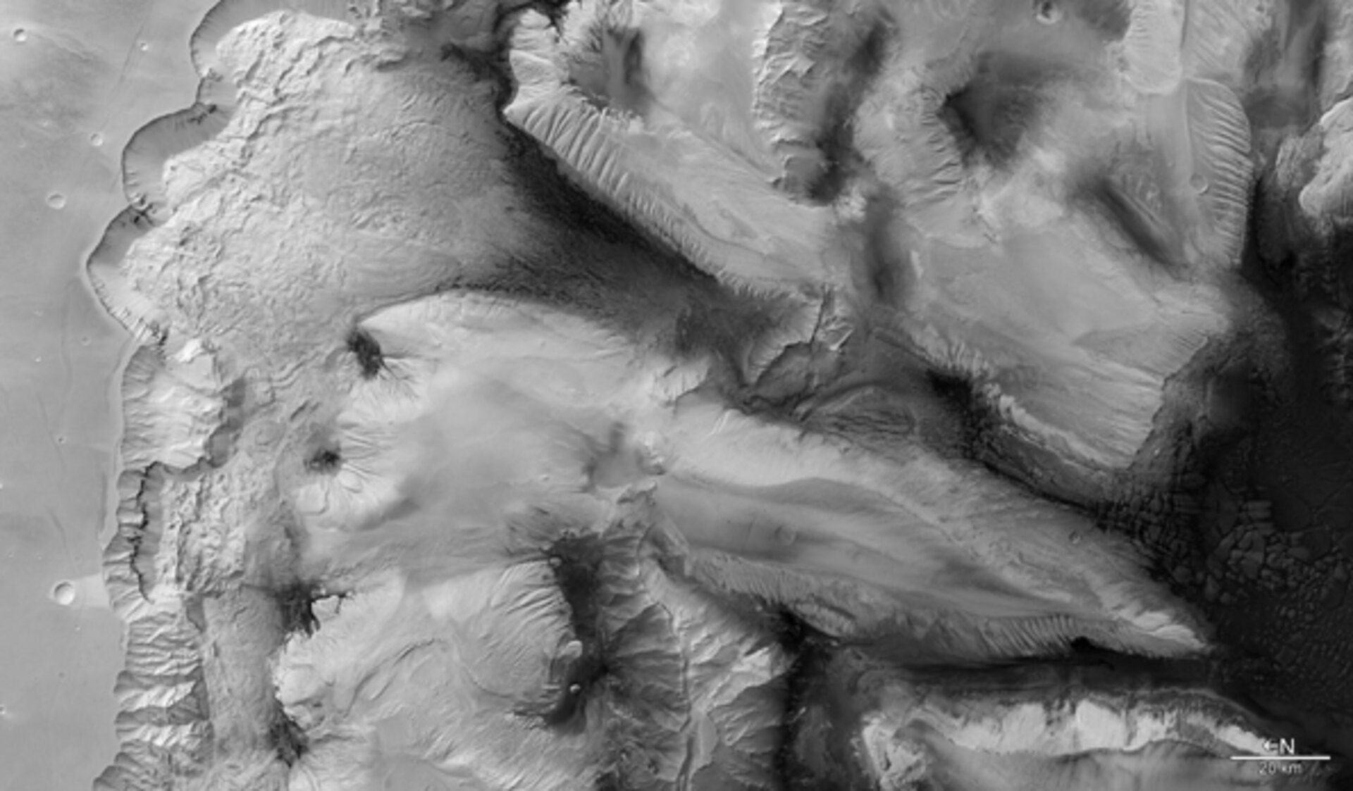 Black/white view of Ophir Chasma