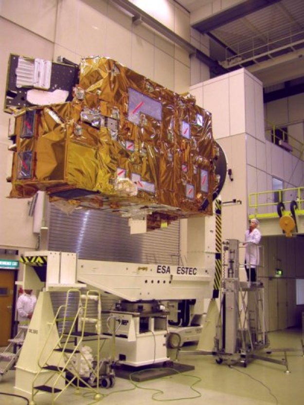 MetOp PLM on the Moment of inertia (MOI) L-shaped adapter