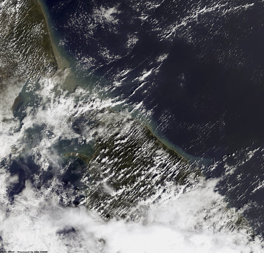 Envisat image dated 28 December 2004 showing northeast coast of Sri Lanka
