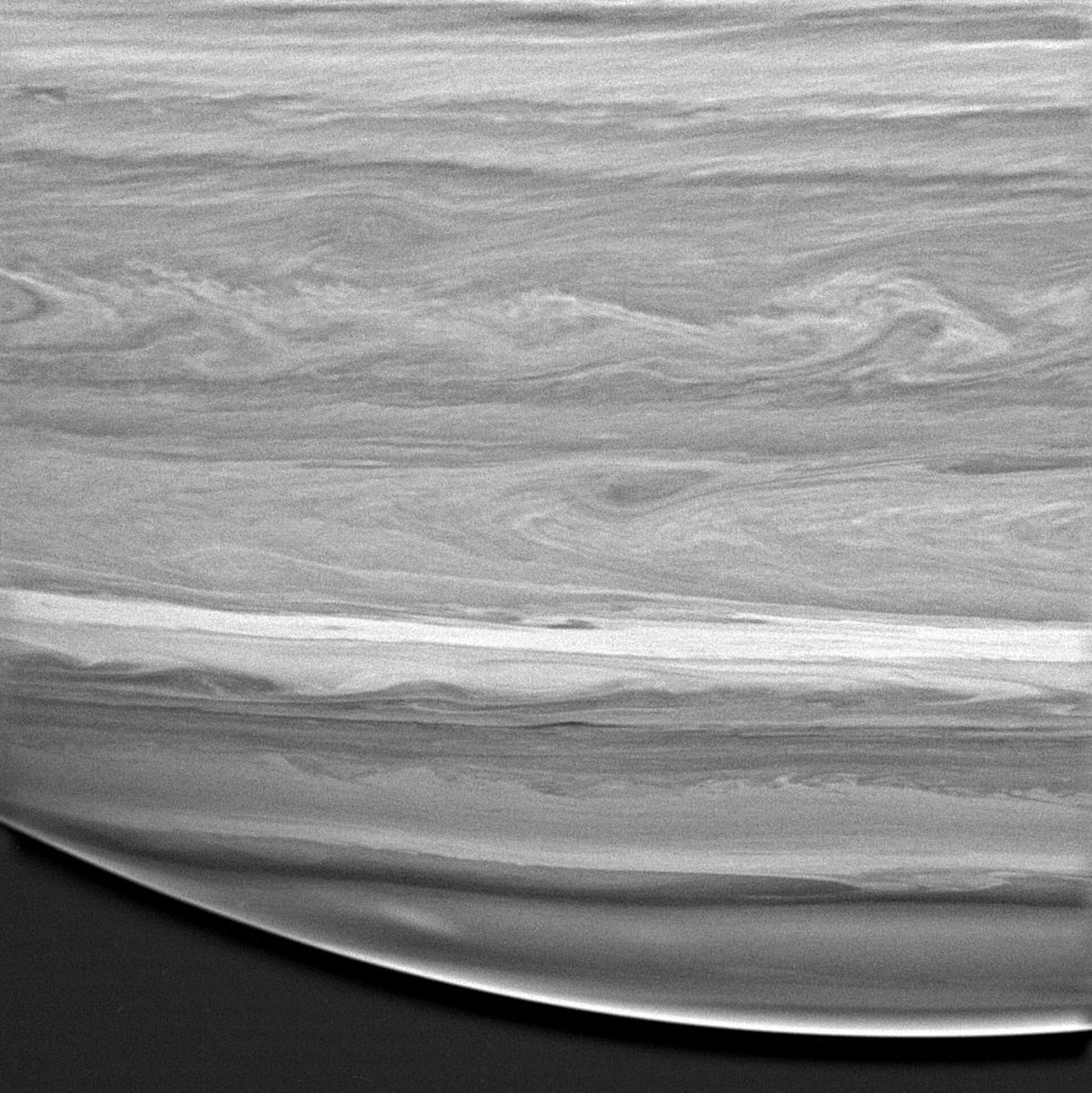 Wavelike patterns in the cloud bands of Saturn's atmosphere