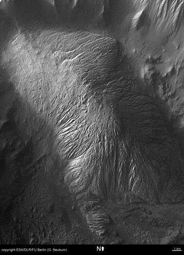 Close-up view of 'hill' feature in Tithonium Chasma