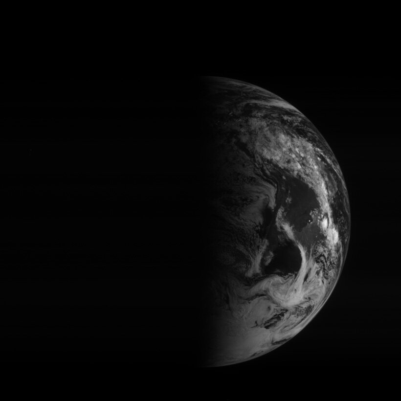 Earth from Rosetta 12:45 UTC 5 March 2005