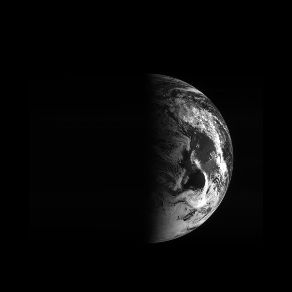 Earth from Rosetta 12:47 UTC 5 March 2005