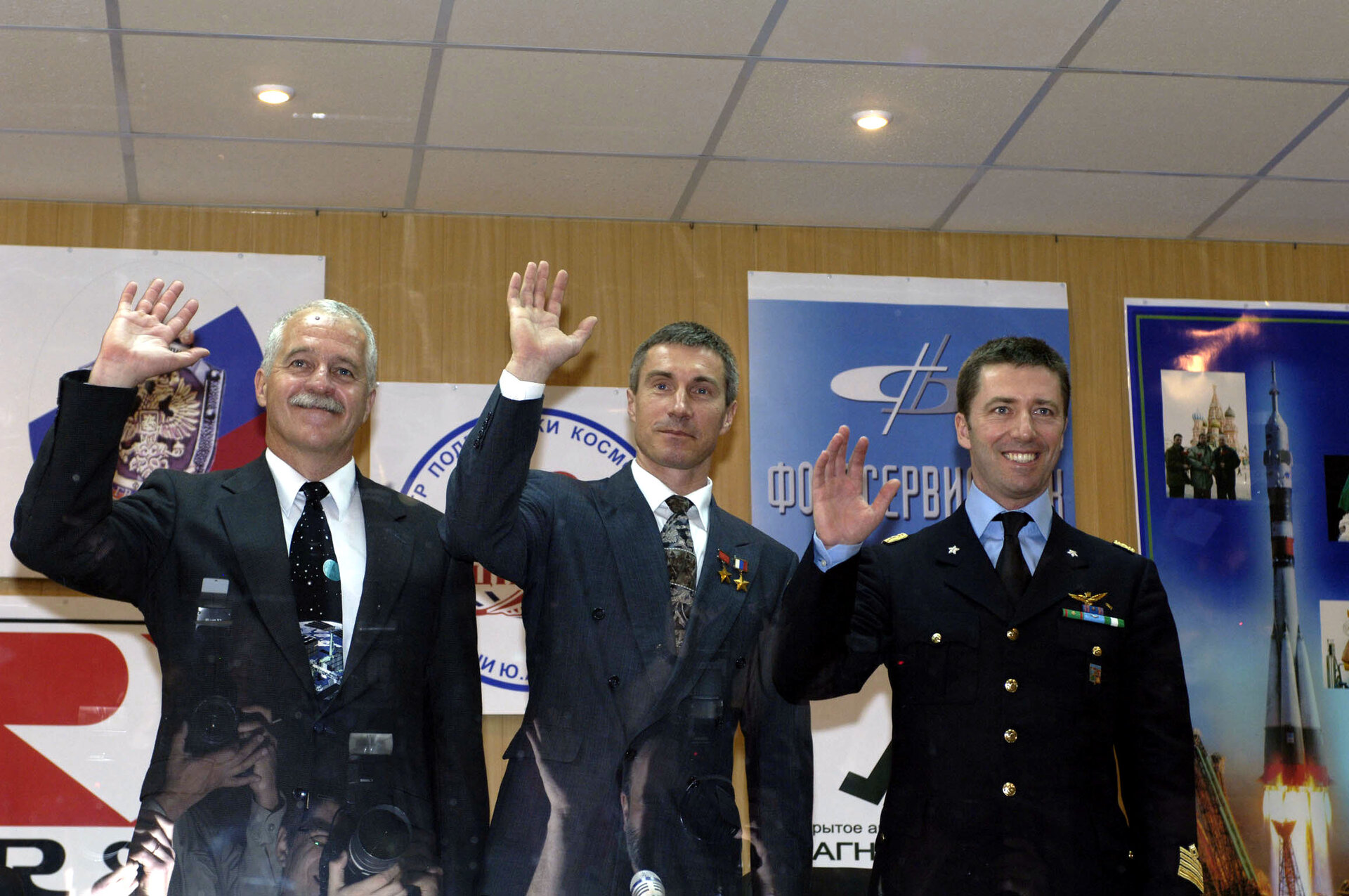 Primary crew of Soyuz TMA-6 during pre-launch press conference