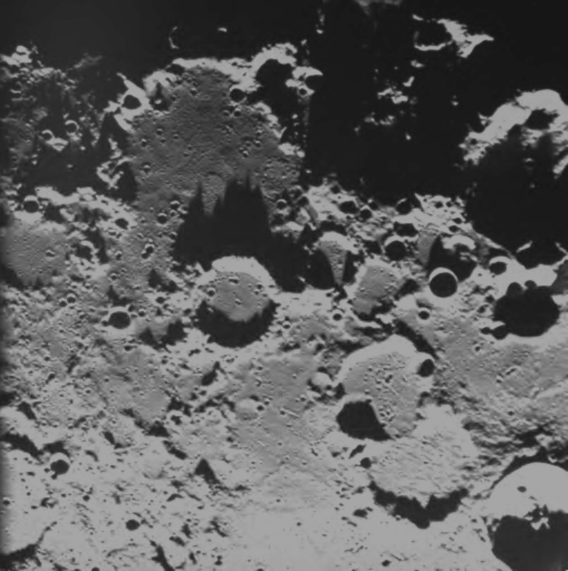 Close to the lunar north pole 29 December 2004