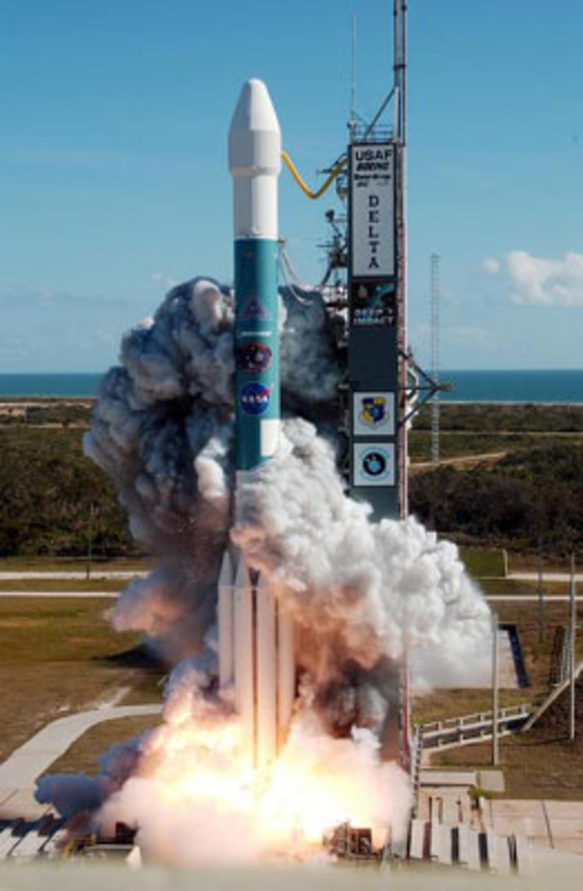 NASA's Deep Impact spacecraft lifts off