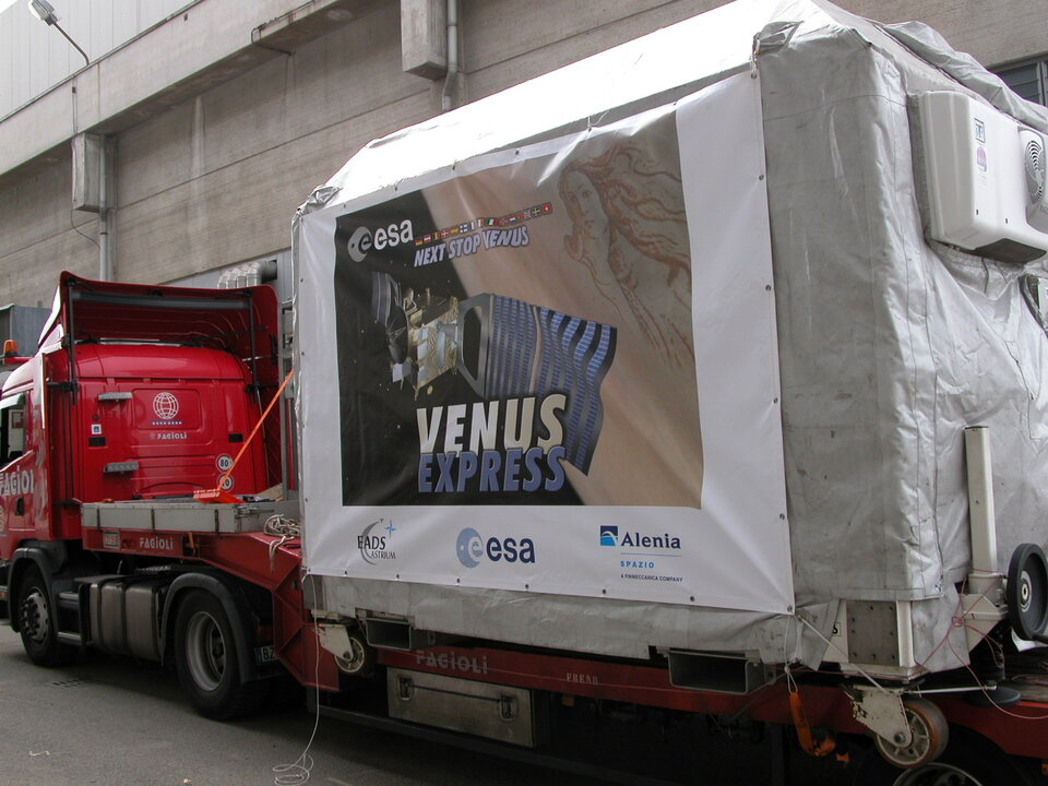 Venus Express during shipping from Turin