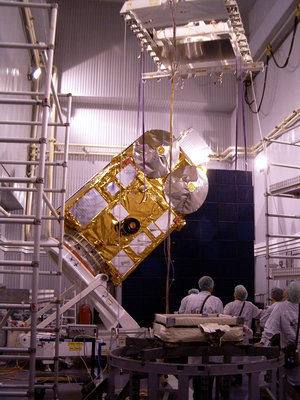 Positioning CryoSat vertically to move it over the adapter