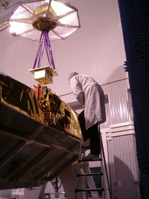 The engineering model of the battery is removed from CryoSat