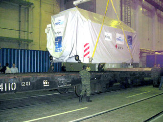 Unloading CryoSat in the Integration Facility hall in Plesetsk, Russia