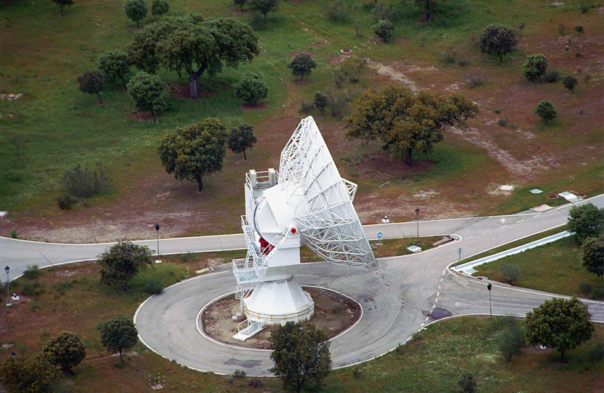 The Villafranca  VIL-1 15-m S-band antenna