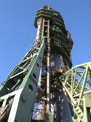 Close-up of Venus Express and Soyuz-Fregat on the launch pad