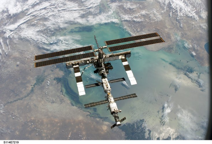 Photo of ISS taken from Space Shuttle Discovery in July 2005