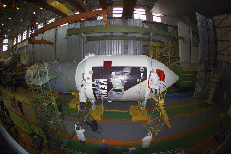 Photos-Soyuz FG-Fregat vehicle carrying Venus Express probe- Final preparation