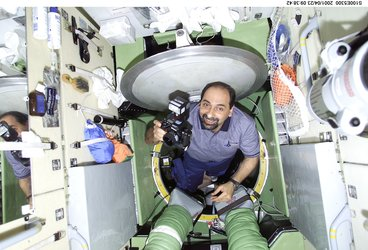Umberto Guidoni entering the Zarya module of the ISS