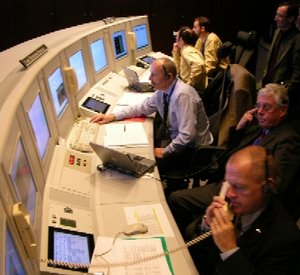 Venus Express controllers in ESOC Main Control Room