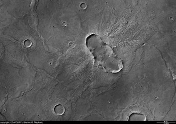 Black and white nadir view of Hesperia Planum