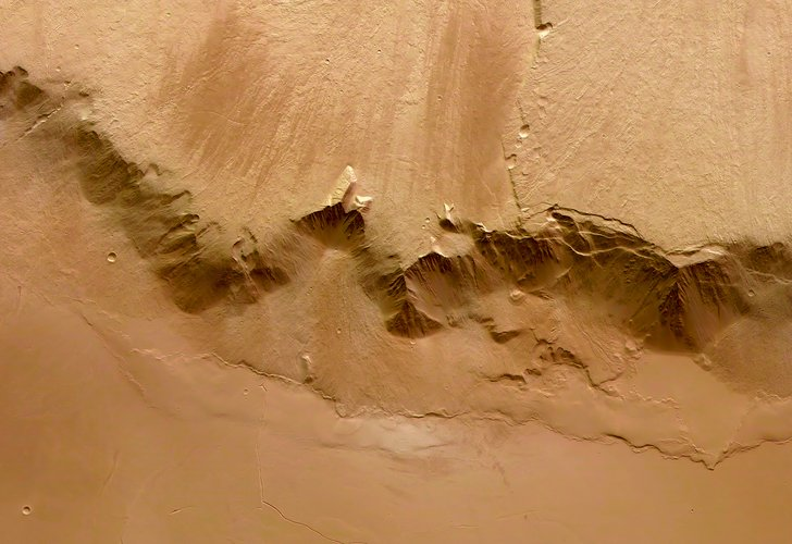 Colour view of eastern scarp of Olympus Mons