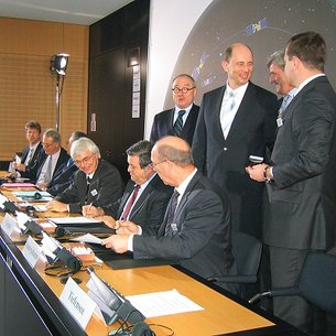 Galileo IOV contract signing