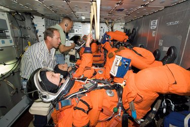 Crew members training for Astrolab mission