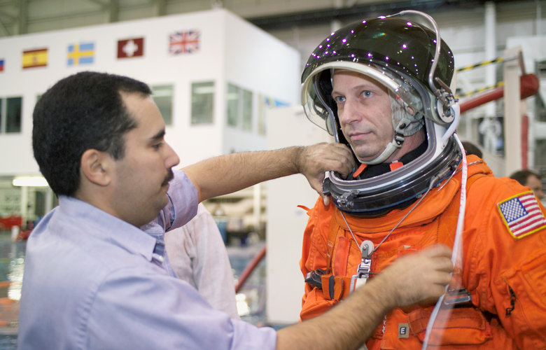 ESA astronaut Thomas Reiter training for Astrolab mission