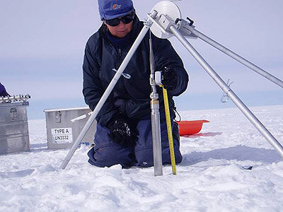 Measuring ice density with a neutron probe