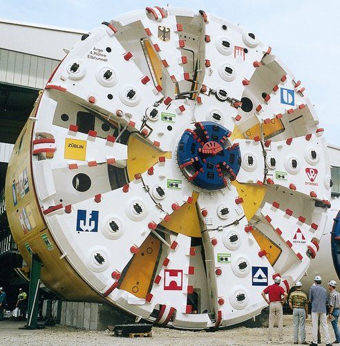 Space spin-off for tunnel boring Machines