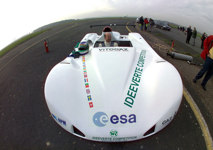 Space technology for 'green' racing cars