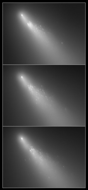 Spectacular view of ongoing comet breakup