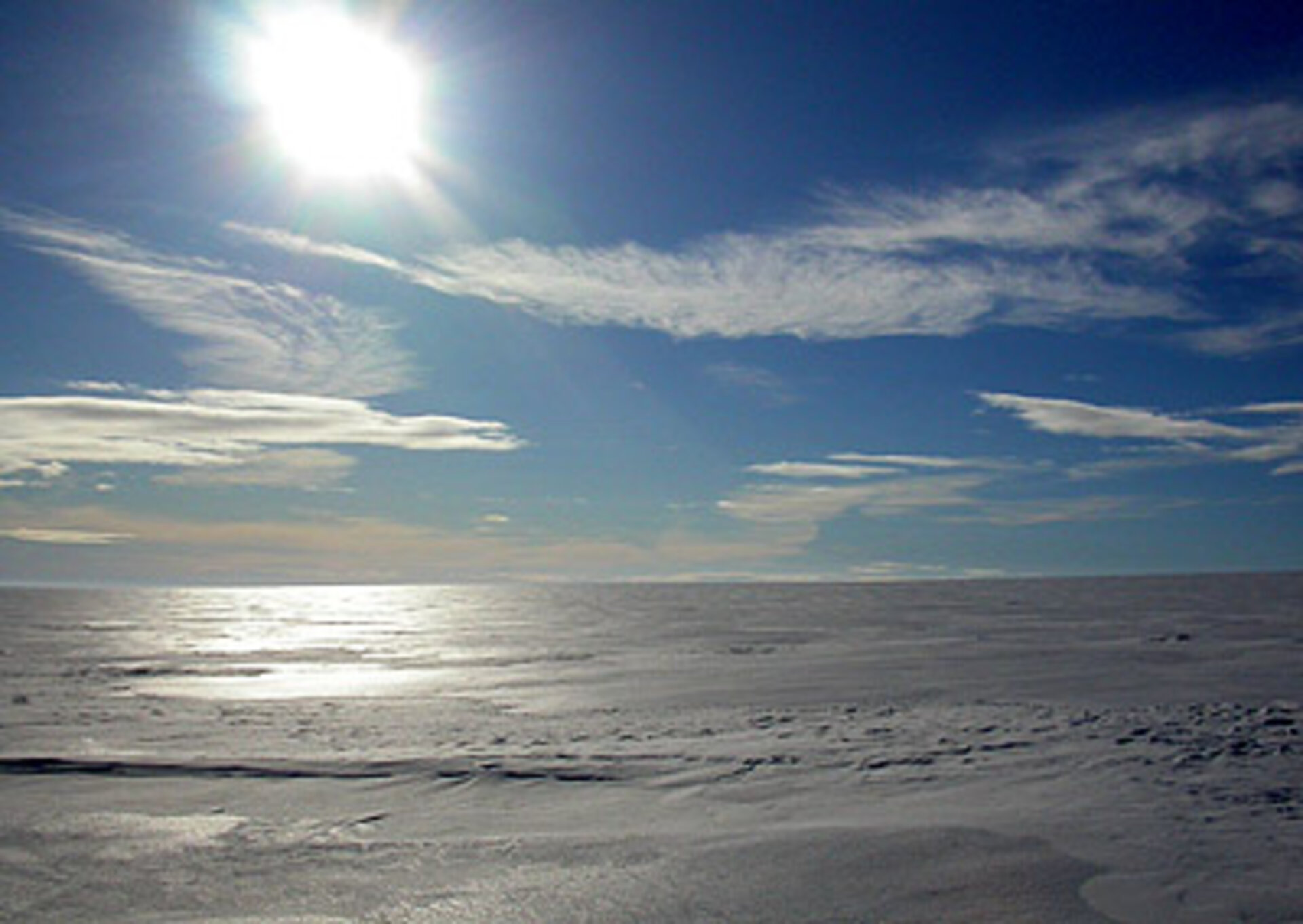 Vast expanse of ice sheet
