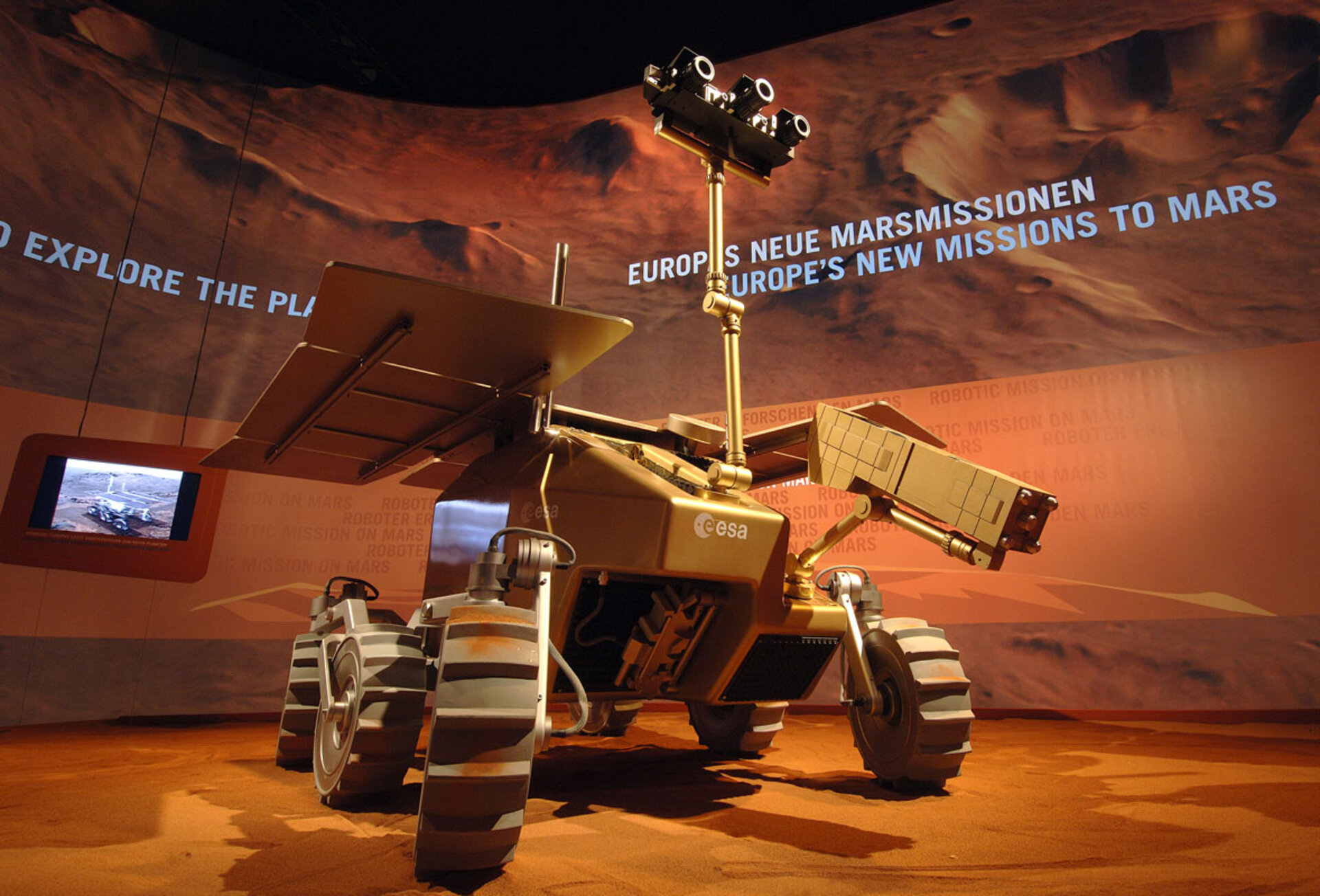 A preliminary design concept of ExoMars at ILA 2006